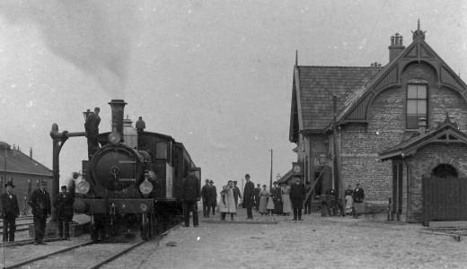 1809-spoorwegstation-met-dockumer-lokaaltje.jpeg